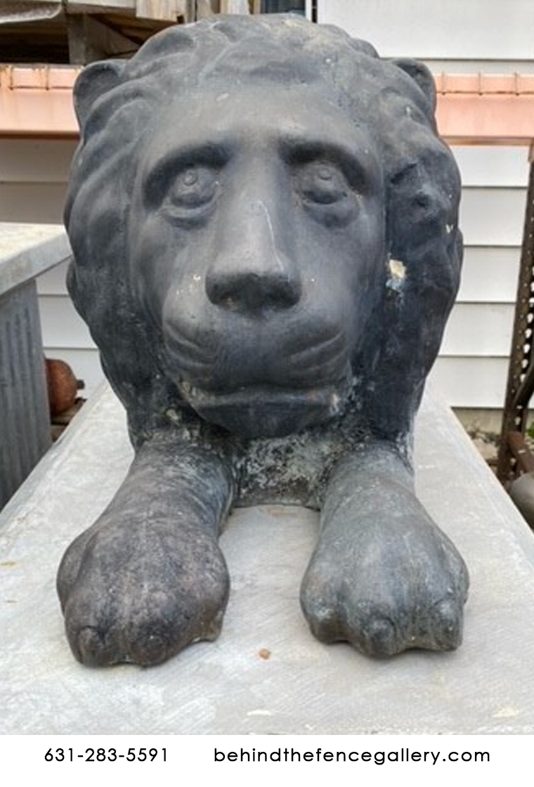 Liquidation English Classical Watching Lion Gate Guard Bronze