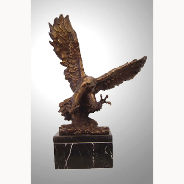 Bronze Flying Eagle Statue